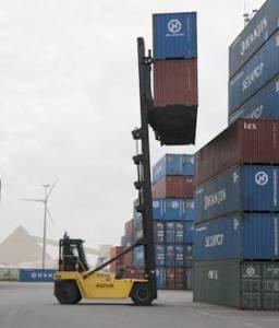 Lege containers stapelen met Empy Container Handling