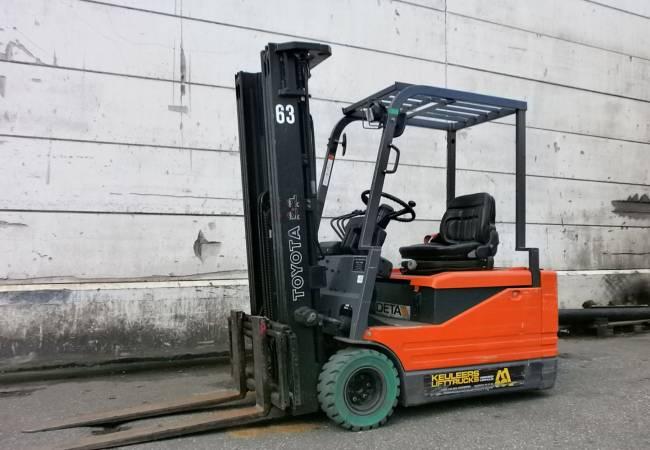 TOYOTA 5FBE 18 Driewiel elektrische heftruck